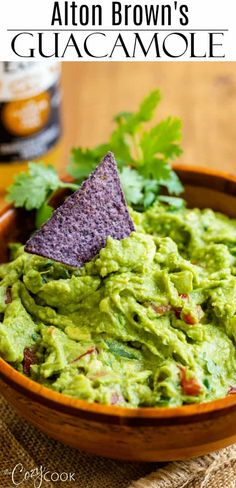 This easy homemade Guacamole recipe from Alton Brown is the best you'll ever try! Pair it with some salsa and crunchy tortilla chips for dipping and enjoy the fresh flavors of summer! Mexican Food Recipes, Healthy Dinner Recipes, Appetizer Recipes, Healthy Snacks, Vegetarian Recipes, Cooking Recipes, Wing Recipes, Guacamole Recipe Easy, Homemade Guacamole
