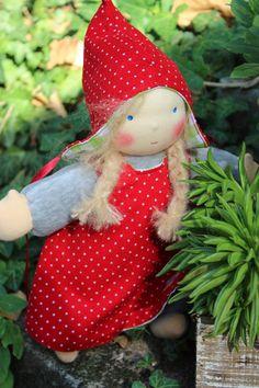 Puppen - Waldorfpuppe* LILLI* Wichtelkind Schmusepuppe - ein Designerstück von Lille-lilith bei DaWanda