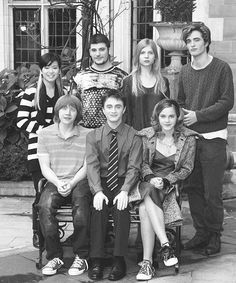 Love this flashback pic of Robert Pattinson with the cast of Harry Potter