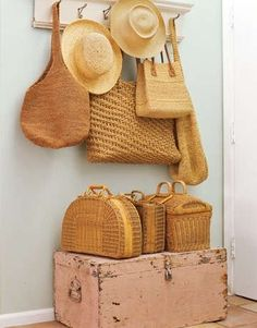 I love straw and wicker bags- these are great! Rattan, Pop Some Tags, Basket Bag, Wall Basket, Basket Weaving, Woven Baskets, Woven Bags, Bamboo Weaving, Picnic Baskets