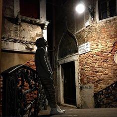 Dusan Susnjar - Venice, Italy Dusan Susnjar, Erotica, Darth Vader, Fez, Venice Italy, Photography, Fictional Characters, Beautiful, Walking