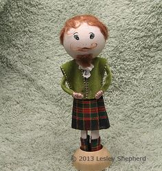 Photo tutorials on how to make and costume a range of cothespin or clothes-peg dolls, including dolls in regional dress.