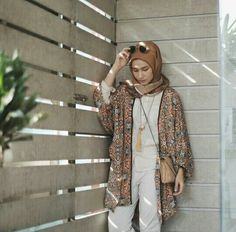 52 Ideas Fashion Street Style Casual Cardigans For 2019 Hijab Casual, Hijab Outfit, Casual Outfits, Ootd Hijab, Hijab Chic, Hijab Fashion Summer, Muslim Fashion, Holiday Outfits Women, Summer Outfits Women
