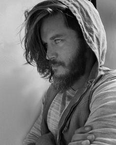 Die 20 Besten Bilder Von Travis Fimmel In 2019 Vikings Ragnar