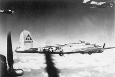 398th Bomb Group 601st Bomb Squadron Boeing B-17G-105-BO Flying Fortress Bomber 43-39227 code 3O-S