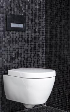 Spreekt dit hangtoilet in deze badkamer u aan? Dit toilet heeft zelfs een geurafvoersysteem!