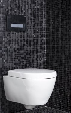 Moza ek tegels badkamer on pinterest mosaic tile bathrooms van and mosaic tiles - Wc mozaiek ...
