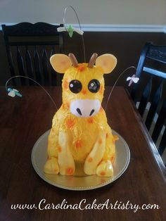 Giraffe Baby Shower Cake! - Could we recreate this using a pineapple and bananas or apples?