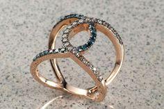anello intrecciato in oro rosa anello oro rosa con diamnanti colore marone e blue #moda #style #regalo #instafoto #gold id #fasebook #clasico #disegno#