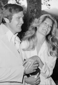 Just-married American actors Lee Majors and Farrah Fawcett laugh as. Farrah Fawcett, Corpus Christi, Celebrity Couples, Celebrity Weddings, Celebrity Style, Santa Monica, American Actors, American Girl, Lee Majors