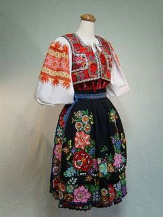 Folk Costume, Costumes, Ethnic Fashion, Womens Fashion, Folk Clothing, Traditional Dresses, Floral Design, High Waisted Skirt, Culture