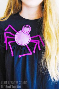 Mini Halloween Purple Clip-On Spider Web /& Spider Fancy Dress