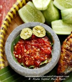 Aneka Resep Sambal Enak Pedas Ayam Goreng/Bakar | Resep Masakan Indonesia Praktis Malay Food, Indonesian Food, Pickles, Sauces, Salsa, Menu, Asian, Ethnic Recipes, Menu Board Design