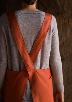Cross Back Apron   Purl Soho Apron Pattern Free, Sewing Patterns Free, Free Sewing, Clothing Patterns, Apron Patterns, Dress Patterns, Embroidery Patterns, Japanese Sewing Patterns, Sewing Hacks