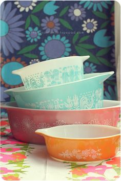 These Pyrex dishes remind me of my mother...would love to have lots of them.