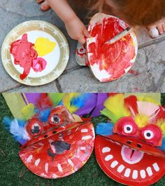 Dragon avec une assiette en carton et des yeux boîte d'oeufs, le tout peint avec des couleurs vive et agrémenté de plumes.