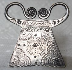 Antique silver soul lock pendant made by the Hmong hill tribe people of northern Laos available at http://www.sabaidesignsgallery.com/