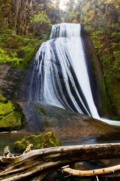 Wolf Creek Falls, Oregon