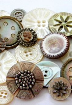 My grandmother had a wood button box that she kept in her dresser drawer. When I was a child, I loved playing with the box and its assortment of buttons. Button Cards, Button Button, Types Of Buttons, Passementerie, Mother Of Pearl Buttons, Sewing Notions, Sewing Box, Sewing A Button, Haberdashery