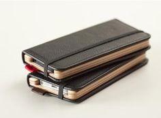 El iPhone, un libro de bolsillo con las fundas de Pad & Quill | Mobility