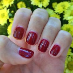 Never underestimate the power of a #fierce, #red #nail! ❤️ Color is Black Cherry Berry by @Gelish  #MakeThemGelish @gelish_official   #BlackCherryBerry #FallNails
