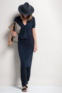 Minimal chic -maxi skirt, fedora
