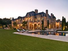 with 40 beverly park circle beverly hills california united states Mega Mansions, Mansions For Sale, Mansions Homes, Luxury Mansions, Dream Home Design, My Dream Home, House Design, Luxury Homes Dream Houses, Luxury Life