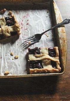 Sweet Cherry Slab Pie | une gamine dans la cuisine