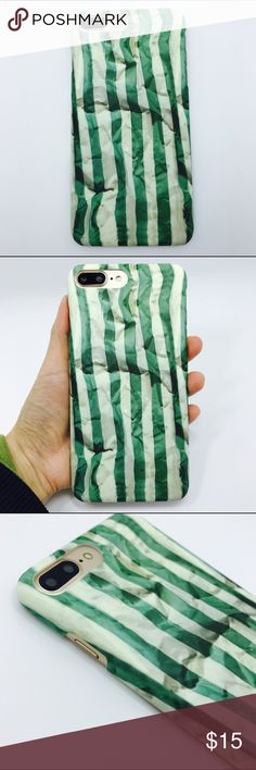 iPhone 7 plus green stripes paper style phone case ▶️brand new and high quality  ▶️hard phone case ▶️to protect your phone from shock and friction, anti-vibration and prevent breaking  ▶️precisely cut openings to allow full access to all the functions your iPhone 7 plus ▶️easy to install and disassemble Accessories Phone Cases