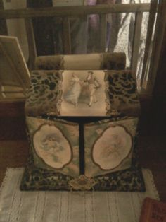 Hand painted velvet box for Victorian brush and mirror at Bronte Creek