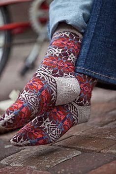 Bandelier Socks pattern by Lisa Shroyer Stricken – Suzi Stricken Crochet Socks, Knitting Socks, Knitting Stitches, Hand Knitting, Knit Crochet, Knit Socks, Cozy Socks, Knitting Daily, Fair Isle Pattern