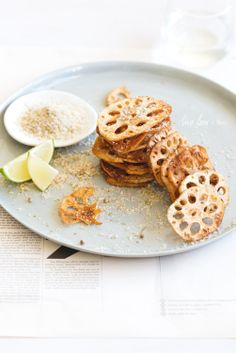 Five Spiced Salt 'n' Sichuan Pepper Chicken with Lotus Root Chips - Two Loves Studio Snack Recipes, Dessert Recipes, Cooking Recipes, Snacks, Chicken Stuffed Peppers, Pepper Chicken, Tapas, Small Meals, Food Photography
