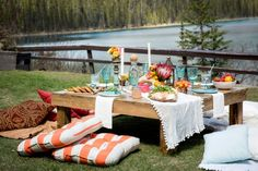 Boho Mountain Bachelorette picnic from Naturally Chic Wedding Planning & Styling With + Willow Flower Co. Chic Wedding, Wedding Blog, Destination Wedding, Wedding Planning, Willow Flower, Rocky Mountains, Bachelorette Ideas, Table Decorations, Boho