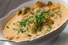 How to cook the best mushroom sauce - Recipes - Ma Fork Veggie Recipes, Beef Recipes, Cooking Recipes, Sauce Recipes, Marinade Sauce, Sauce Crémeuse, Low Carb Sauces, Pesto Sauce, Foie Gras
