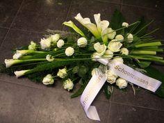 ***grafstuk*** Memorial Flowers, Sympathy Flowers, Funeral Flowers, Black Flowers, Flower Art, Decoration, Flower Arrangements, Floral Design, Projects To Try