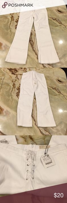 """Zara Girls Casual Collection Pants Size 13/14 Zara Girls Pants, Size 13/14, Color: white, fabric: cotton/elasthane, measurement taken flat: waist: 13.5"""", inseam: 23"""", length: 32"""", new with tag Zara Bottoms Casual"""
