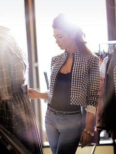 View details for the pattern Cropped Jacket 022010 110 on BurdaStyle. Dress Patterns, Sewing Patterns, Burda Patterns, Vogue Patterns, Vintage Patterns, Chanel Style Jacket, Style Magazin, Diy Fashion, Fashion Design