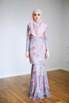 The premier destination for modest fashion wear. Islamic Fashion, Muslim Fashion, Hijab Fashion, Fashion Outfits, Batik Fashion, Skirt Fashion, Kebaya Modern Dress, Simple Long Dress, Hijab Style Dress