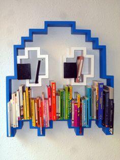 Pacman Ghost Bookshelf. Bücherregal im Ghost shape. pac man. kinderzimmer. jungen. ideee. boys room.