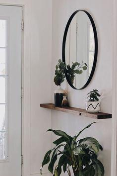 Hallway Decorating, Mirror Decor Living Room, Entryway Decor, Minimalist Decor, Minimalist Mirrors, House Interior, Living Room Mirrors, Mirror Decor, Family Room Mirror