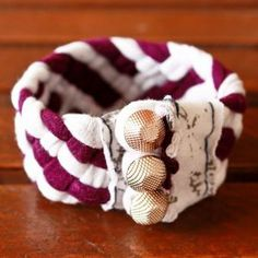 Make a bracelet from fabric scraps
