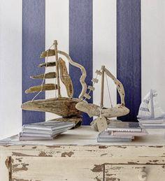 Barquitos con madera de deriva | Tienda 'Barquitos' • Small boats in driftwood Sailor Style, Sailor Fashion, Driftwood, Ideas Para, Nautical, Inspiration, Home Decor, Beach Wood, Painted Sticks