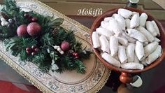 Viki Egyszerű Konyhája: Hókifli Christmas Wreaths, November, Holiday Decor, Home Decor, November Born, Decoration Home, Room Decor, Home Interior Design, Home Decoration
