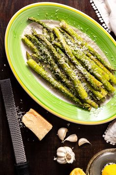 Parmesan cheese adds a richness to these garlic and lemon seasoned asparagus spears. With their bright color and crisp texture, this easy asparagus recipe is the perfect Easter side dish. Easy Holiday Recipes, Special Recipes, Healthy Dinner Recipes, Appetizer Recipes, Cooking Recipes, Easter Recipes, Healthy Meals, Delicious Recipes, Breakfast Recipes