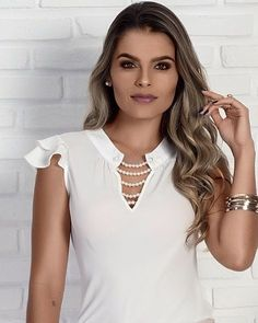 Our social Trends Dress Neck Designs, Blouse Designs, Moda Chic, Blouse Styles, Pattern Fashion, Blouses For Women, Fashion Dresses, Girls Dresses, Cute Outfits