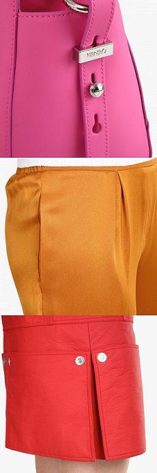 Mini-sac à bandoulière Kalifornia fuschia - Kenzo / Pantalon coupe fluide satiné - Roseanna / Robe courte effet vinyle - Courrèges #LeBonMarche #Tendance #Trend #IntenseLipsticColor #PE16 #SS16 #fashion #mode #women #femme