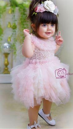 New Baby Girl Style Hair Kids Fashion Ideas Cute Little Baby Girl, Cute Baby Girl Pictures, New Baby Girls, Baby Girl Pink Dress, Pink Girl, Baby Girl Fashion, Kids Fashion, Fashion Hair, Dress Fashion