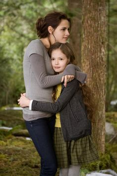 Bella Swan (Cullen) Voted 'Best Movie Mum' by Empire Cinema Customers