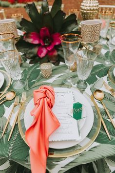 Tropical Vibes at the Piedmont Room in Atlanta Green Wedding, Wedding Colors, Wedding Day, Tropical Vibes, Round Wedding Tables, Atlanta Georgia, Table Decorations, Place Settings, Palette