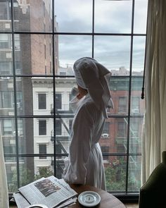 The morning is a sacred time—it's when we choose how we want the rest of the day to go. Foto Fashion, Fashion Women, Fashion Ideas, Fashion Beauty, Fashion Tips, Classy Aesthetic, City Aesthetic, City Girl, Nyc Girl